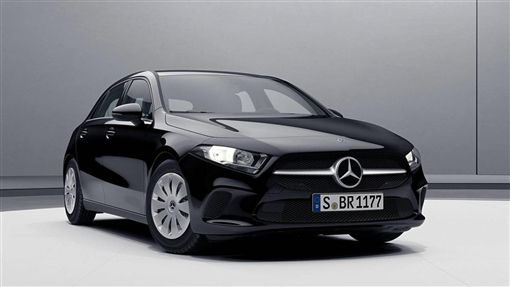 入門款手排A-Class。(圖/翻攝Mercedes-Benz網站)