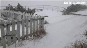 玉山降雪(圖/氣象局提供)