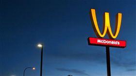 美國加州林伍德市(Lynwood)麥當勞(圖/翻攝自推特)