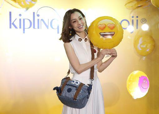 范瑋琪出席品牌活動(1)藝人范瑋琪(圖)擔任國際時尚包款KIPLING台灣區首位代言人,8日在台北出席上市記者會。中央社記者張新偉攝 107年3月8日
