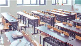 國中生還未成年 教科書卻教「性滿足」?家長:根本就亂編 教室,學生,學習,圖/翻攝自Pixabay