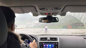 MAZDA,Yamaha,TDI quattro 3.0,7人座,Eyesight,實測,撞人, 圖/翻攝自YouTube
