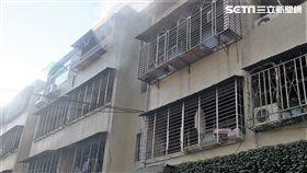 台北市萬華區和平西路三段巷內火警現場(翻攝畫面)