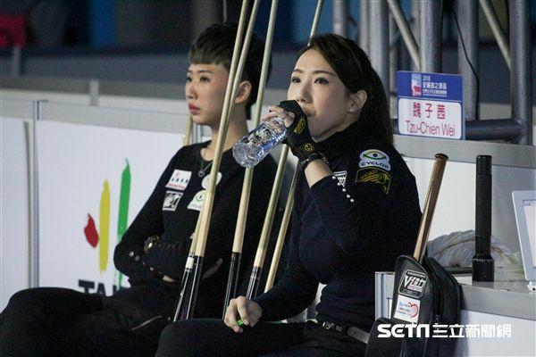 ▲郭思廷(左)和魏子茜在安麗盃8強碰頭。(圖/記者蔡宜瑾攝影)