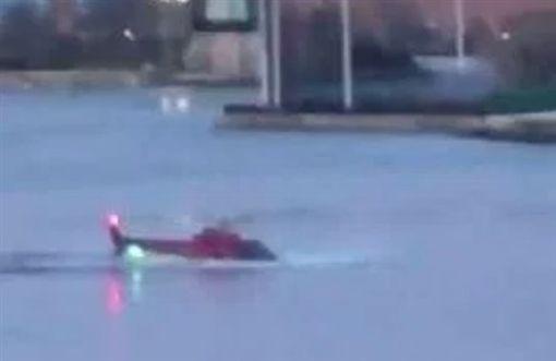 直升機墜落紐約市東河/推特