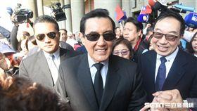 前總統馬英九前往國父紀念館向國父遺像獻花。 圖/記者林敬旻攝