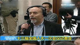 外媒記者問修憲 竟遭官員譏
