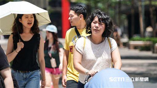熱,炎熱,高溫,天氣,熱浪,中暑,曬傷,防曬 圖/記者林敬旻攝
