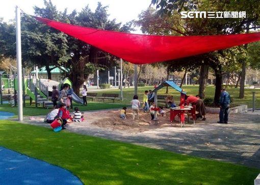 共融遊戲場,小孩,爸媽,台北市公園,北市工務局公園處,立農公園,公園