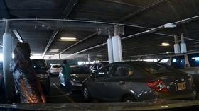 美國,紐約,停車位,肉身,佔位,誇張,痛罵,行車紀錄器,駕駛 https://www.facebook.com/nchew913/videos/1609035052506511/