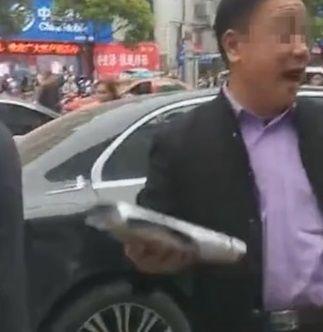大陸,賓士,車主,囂張,全保,澎湃新聞 圖/翻攝自澎湃新聞