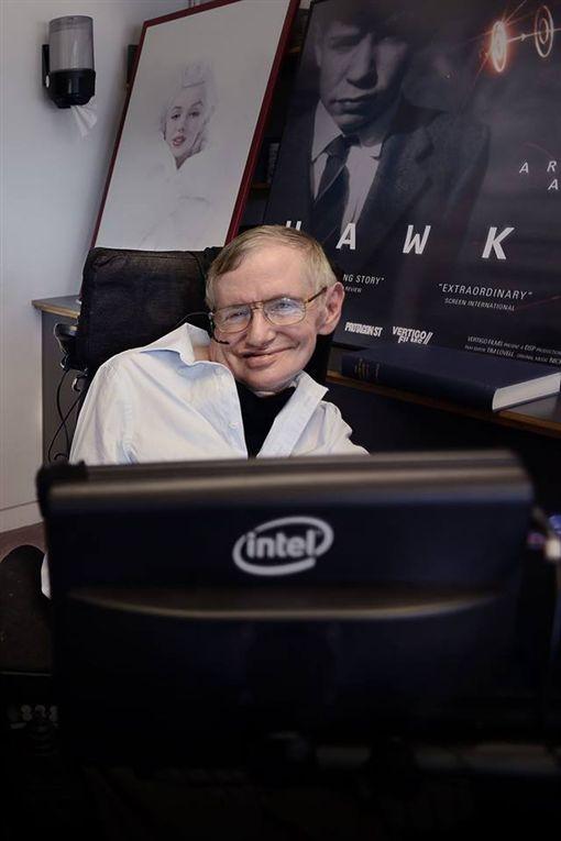 Stephen Hawking,史蒂芬霍金_臉書