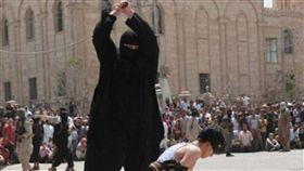 印尼亞齊特區(Aceh)傳出將立法以「斬首」來懲罰謀殺犯(圖/翻攝自推特)