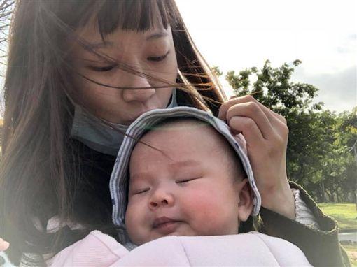 方志友兒子Sunny,白胖模樣萌翻網友。(圖/翻攝自臉書)