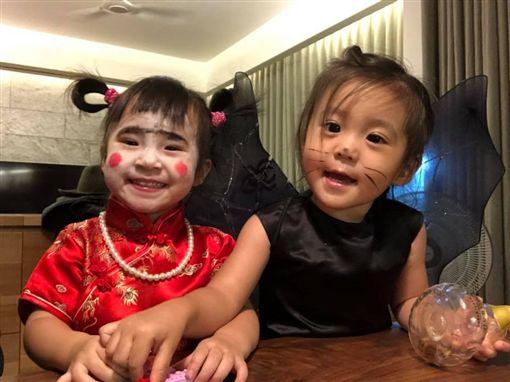 方志友女兒Mia與賈靜雯女兒咘咘,私底下也是好朋友。(圖/翻攝自臉書)