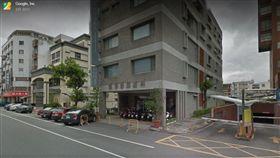 台東婦產科醫師張崇晉今(17)日上午參加在「2018 Sinox IRONMAN 70.3 Taiwan鐵人三項國際賽」,不料他在騎自行車項目折返途中自摔,不僅頭部重創,身體也有多處骨折,送醫急救後仍在加護病房,至中午尚未脫離險境。(圖/翻攝自Google Map)