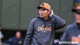 中華職棒熱身賽,統一獅贏球,總教練黃甘霖。 圖/記者林敬旻攝