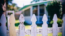 鄰居,院子,房屋(圖/pixabay)