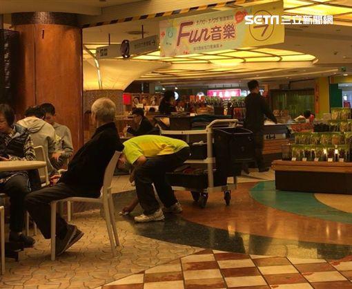 京華城,百貨公司,美食街,清潔員(記者郭奕均攝影)