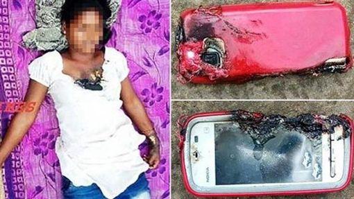 印度少女奧拉姆(Uma Oram)手機邊充電邊講電話,發生爆炸事故。(圖/翻攝自網路)