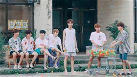 Wanna One團體私下天真。(圖/翻攝自Wanna One臉書)