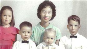 琳達,重逢,感動,陳月嬌,保母,照顧,台灣,警政署 圖./翻攝畫面