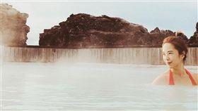 天心穿上比基尼在藍湖享受大自然美景。(圖/翻攝自IG)