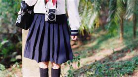 16:9 裙子 學生裙 圖/攝影者Beryl Chan, Flickr CC License https://flic.kr/p/rhnVMh