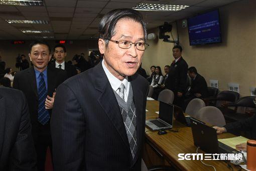 國防部長嚴德發前往內政委員會備詢。 圖/記者林敬旻攝