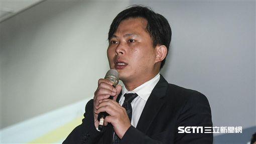時代力量主席黃國昌出席「喜樂島聯盟」228籌組記者會。 圖/記者林敬旻攝