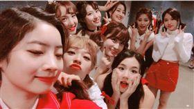 女團TWICE是由9名不同國家女生所組成的團體。(圖/翻攝自臉書)