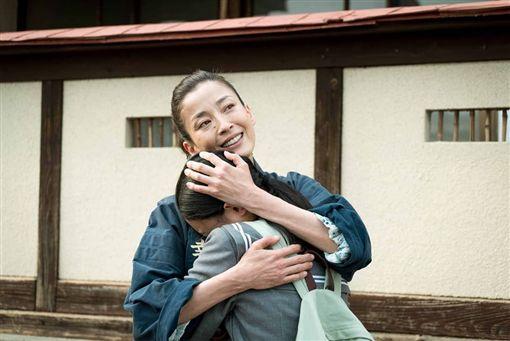 宮澤理惠去年憑著《幸福湯屋》一片,第三度拿下影后寶座。(圖/翻攝自IG)