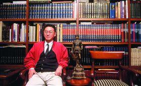 中西文化論戰的潑猴李敖 以荒謬寫就他的人生(勿用)