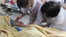 台北市立聯合醫院表示,機構內結核病發生率,遠高於一般老年人口發生率,今(2018)年台北市進行潛伏性感染治療,從長照機構先著手,以降低在機構內非預期性發病與傳播風險。(圖/台北市立聯合醫院提供)
