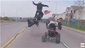重機,美國,田納西州,翹孤輪,車禍,Brett Sewell 圖/翻攝自YouTube