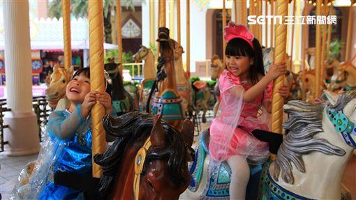 六福村,兒童節,旋轉木馬。(圖/六福村提供)