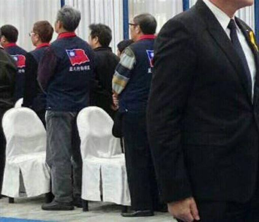 繆德生告別式 反年改團體起身背對馬英九/李來希臉書
