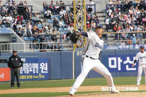 ▲王維中韓國職棒初登板。(圖/記者羅正輝攝)