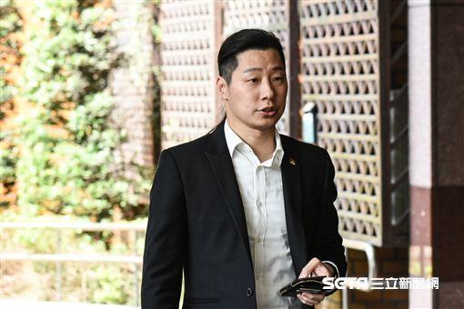 時代力量占凱道,台北地檢署傳林昶佐等五立委到案。 圖/記者林敬旻攝