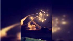 沙國攔截擊毀7飛彈 亮光、爆炸聲劃破天際!震撼場面曝光 圖/翻攝自推特