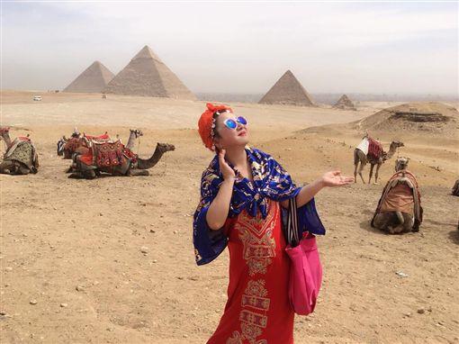 ▲▼白冰冰日前去了一趟埃及旅遊。(圖/翻攝自白冰冰臉書)