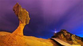 女王頭,野柳,風管處,夜間(圖/翻攝自北海岸及觀音山國家風景區管理處)