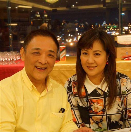 ▲小亮哥夫妻,近來被指控涉嫌詐欺一案。(圖/翻攝自林姿佑臉書)