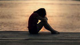 孤獨,寂寞,傷心_pixabay