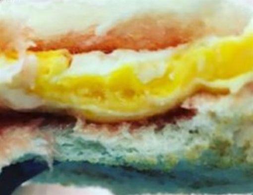 草莓蛋吐司,早餐店,早餐,巧克力蔥抓餅,巧克力蛋餅,爆怨公社 圖/翻攝自臉書爆怨公社