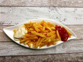 ▲香脆的薯條號稱是「澱粉炸彈」吃多傷身。(圖/資料照片)