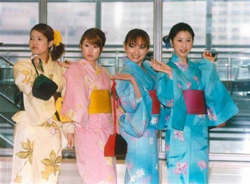 ▲麻衣與愛紗17年前從「Sunday Girls」出道後相識。(圖/翻攝自臉書)
