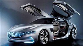 2018日內瓦車展設計工作室的汽車藝術品(圖/車訊網)
