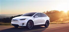 Tesla Model X。(圖/翻攝Tesla網站)