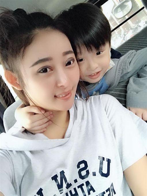 陳羿君,小君,萌萌彬,/翻攝自臉書